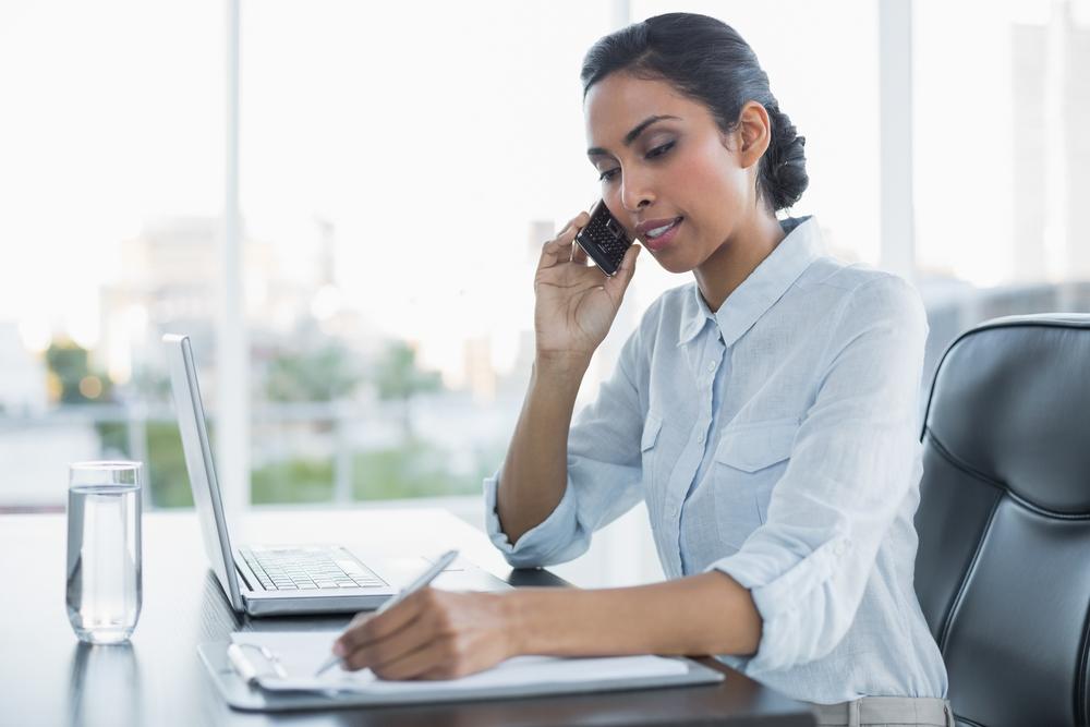 TOP oder FLOP: Die Meldung am Telefon – die Visitenkarte des Unternehmens